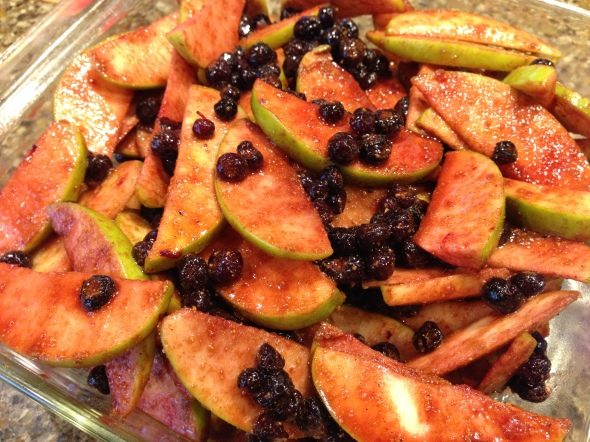 Apples, huckleberries, lemon juice, coconut sugar, cinnamon, and nutmeg.